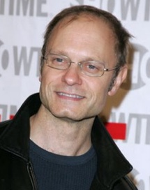 David Hyde Pierce sale del armario