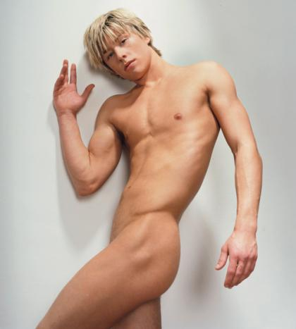 mitch_hewer_nude