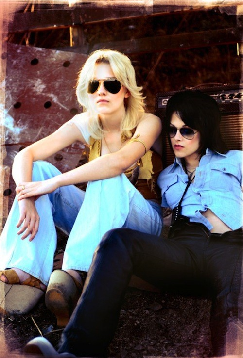 dakota fanning y kristen wtewart en the runaways